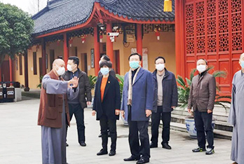 区人大常委会副主任、区总工会主席赵宏林来本寺调研防疫工作